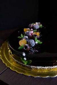 Veganiškas šokoladinis-kokosinis tortas